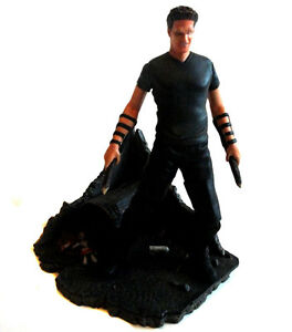 """Cult Tv BUFFY Vampire Slayer ANGEL 6""""   toy action figure with detailed base"""