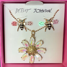 Betsey Johnson Sweatness and Daisy Necklace With Earrings Set S1z