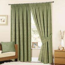 Cortinas color principal verde dormitorio