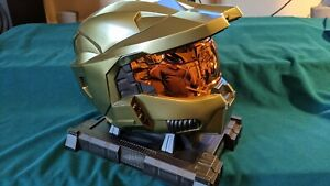 Halo 3 Legendary Edition - Master Chief Helmet and Stand- GAME NOT INCLUDED