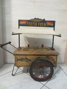 +++Alter Spielzeug Fischstand - Fischbude aus Holz und Metall+++