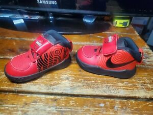 Nike Team Hustle D9 Sneakers Size 4C Toddler Red AQ4226-600