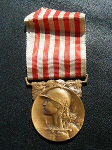 V20Ju) Belle médaille en bronze MORLON guerre 1914 1918  french Medal