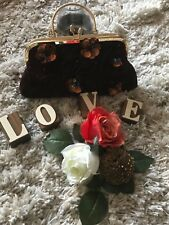 Women Vintage Gold brown beautiful purse. Check it out