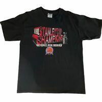 DETROIT RED WINGS SZ L Hockey T shirt 2002 Stanley Cup Champions NHL Gildan VTG