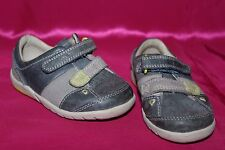 CLARKS first shoes boys toddler genuine leather flat shoes size 4G