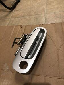 2000-2005 Toyota CELICA  RH Passenger Door Handle 00-05 - Silver