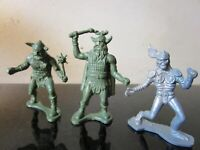 Vintage LOT Toy Soldiers Vikings Plastic Figures