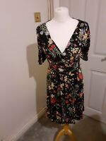 Beautiful Oasis multicoloured floral print dress size small UK