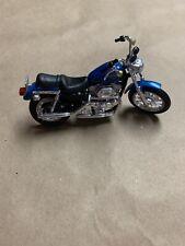 Maisto Blue Harley Davidson Classic Motorcycle 1:24 Scale