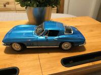 Maisto 1965 65 Chevy Corvette 1:18 Die Cast Car Light Blue Chevrolet