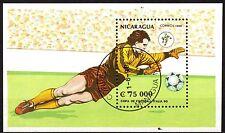 0106+ NICARAGUA BLOC  COUPE DU MONDE DE FOOT  1990