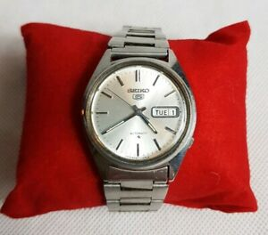 Beauriful Vintage Seiko 5 Men's Automatic Watch Serial No 047275