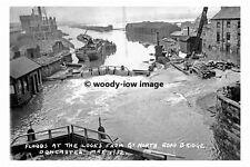 pt8883 - Floods at Great North Rd Bridge  Doncaster , Yorkshire - photograph 6x4