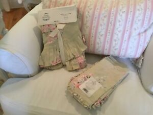 """Simply shabby chic tablecloth 70"""" round and 4 napkins"""