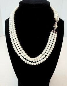 """FRANKLIN MINT """"JACKIE"""" TRIPLE STRAND PEARLS REPRODUCTION BY JACQUELINE KENNEDY"""