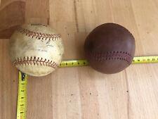 Lot rare 2 balles de baseball Ancienne Une Signée Authentique Vintage