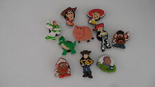 1 LOT DE  10 PINS CLIPS CROCS CHAUSSURE HABITS BRACELETS  TOY  STORY   N18