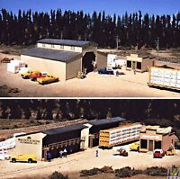 WALTHERS CORNERSTONE HO SCALE 1/87 WALTON & SONS LUMBER YARD | BN | 933-3057