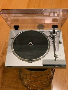 HITACHI Direct Drive Turntable Vintage Model HT-202 Record Player Made In Japan