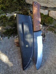 Grand Couteau Bushcraft Lame Acier Carbone 1085 Etui Cuir Manche Bois Artisanat