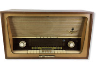 Vintage GRUNDIG 5077 German Tube Radio