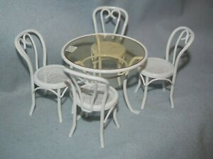 Metal Kitchen or patio Set of Table and Chairs-Dollhouse Miniature