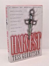 Harvest: A Novel by Tess Gerritsen