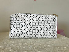"Estee Lauder White & Navy CUTOUT Design Cosmetic Make up Bag 91/2'' X 6"" X 2"""