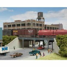 Walthers 933-3871 - Urban Steel Overpass   - N Scale Kit