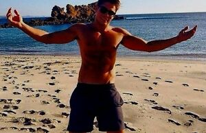 Shirtless Male Muscular Beefcake Beach Stud Muscle Hunk Dude PHOTO 4X6 D56