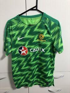 Nike Socceroos Football Warm Up Shirt & Home shorts - Size M