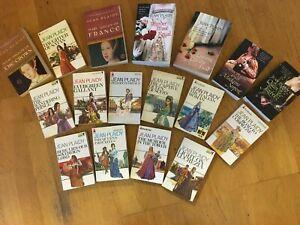 Bundle of 17, mainly Jean Plaidy, paperbacks