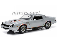 GREENLIGHT 12900 1978 78 CHEVROLET CAMARO Z/28 1/18 SILVER WITH ORANGE STRIPES