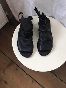 Walk Handmade Shoes Pleated Bootie In Black 39/6