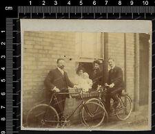 Foto-Stuttgart-Mann-Fahrrad-Gebäude-Haus-Frau-Kind-1912-14