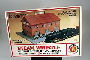 Bachmann N Scale Freight Warehouse w/ Whistle 46709 Detailed Building Kit