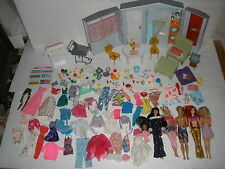 Lot Barbie Fold-out House, dolls, clothes, furniture,Grocery,accessories 164+pcs