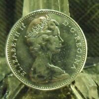 A CIRCULATED 1968 5 CENT CANADIAN COIN (63019)1.....FREE DOMESTIC SHIPPING!!!!!
