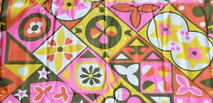 1 YD VINTAGE 70s  FLORAL GEOMETRIC PATTERN FABRIC * PINK, OLIVE, ORANGE, YELLOW