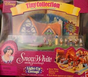 Vintage Disney Tiny Collection Snow White Light-up Cottage New in Sealed Box