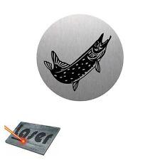 Plaque gravée autocollante 8cm Pêche Brochet fond Alu brossé