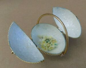 Handmade Decorated Egg - Blue Basket