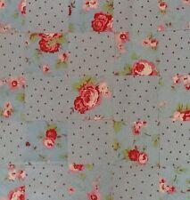Cath Kidson tessuto materiale 25 PATCHWORK QUADRATI 10X10CM Blu Rose & Spot Sew