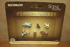 BACHMANN SCENE SCAPES DOGS with FIRE HYDRANT O SCALE FIGURES