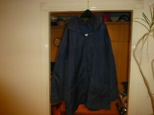 Helly Hansen long sleeved blue hooded zip up coat Size XL,motif on front/sleeve