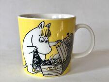 Arabia Finland Moomin Mug Yellow Snorkmaiden with Treasures c.2002/2012