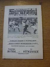 08/03/1987 plastika Nitra V vitkovice. NO difetti evidenti, a meno che la descrizione P