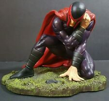 Marvel Diamond Select Ultimate Wounded Magneto Figure