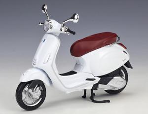 MAISTO 1:12 Vespa Primavera 150 White MOTORCYCLE BIKE DIECAST MODEL NEW IN BOX